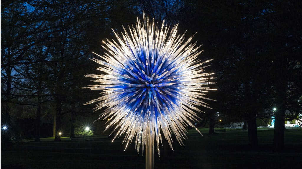 Sapphire Star_Chihuly Nights_crop1